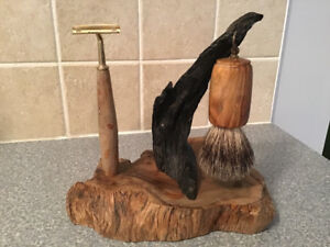 Functional or decorative shaving stand