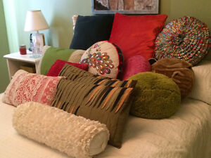 gorgeous pillows vintage and pier one collection West Island Greater Montréal image 5