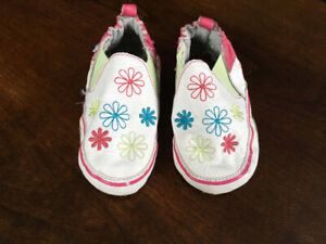 Robeez slippers (12-18 months, girl)