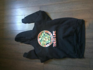 2PAC THUG LIFE HOODIE SIZE XL FITS A LARGE
