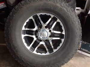 4-315/75/17  hankook Dynapro tires and rins