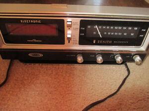 vintage Zenith clock radio am/fm