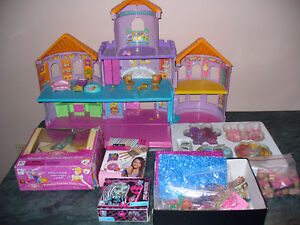 GIRLS TOYS(DOLLHOUSE,GAME,CRAFTS, PUZZLE)