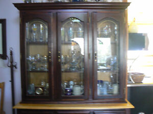 Table with chairs and Hutch/China Cabinet West Island Greater Montréal image 9