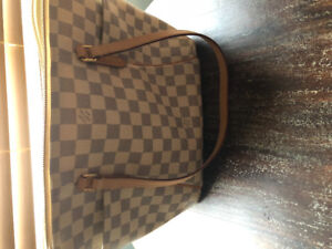 Purses both in perfect condition only ever used a couple of time