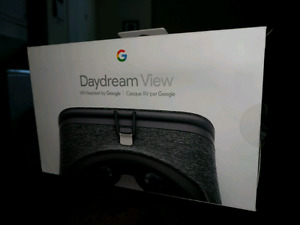 Google Daydream View VR headset and Controller