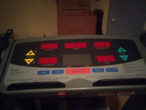 Treadmill for home gym, barely used -- possible delivery (extra)