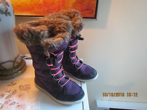 Bottes très chaude gr.11, Banff Trail 10.00$