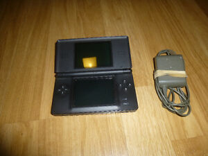 Nintendo DS Lite and DSi consoles