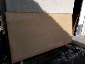 2 feuilles de plywood becefer 4  X  8