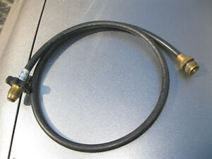 gas pipe hose to conect portable BBQ or small gas stove to 20 po