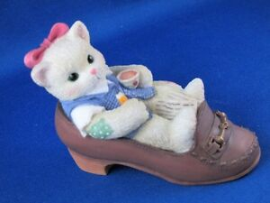 Calico Kittens in a Shoe #314498