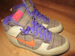 Nike Dunk new condition. Size 9