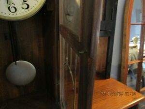 + Old Clock with Windup Key + London Ontario image 5