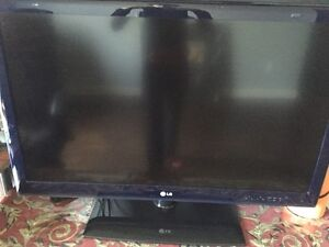 "42"" LG LED TV w/ DVD players and Apple TV"