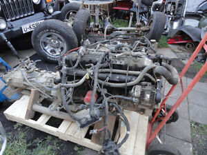 moteur 6 cyli OU 4cyl +trasmision + trasfercase160km  $ 1300 West Island Greater Montréal image 2