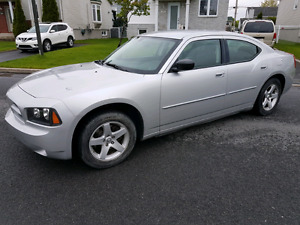 DODGE CHARGER 2009 101698 KM 4490$