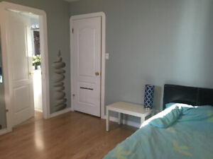 Furnished room in luxury house in Richmond