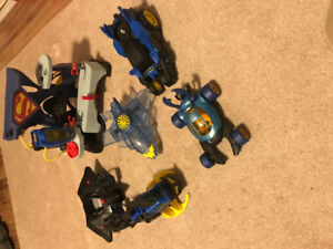 Justice league - Superman playset and assorted vehicles