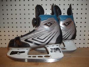 Boys/Junior Skates Size 1 (CCM Vector BOA) with BOA
