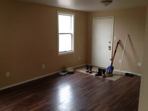 2 Bedroom Apartment Available in Belleville Duplex