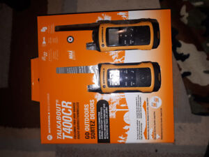 BRAND NEW IN BOX Motorola Talkabout T400CR Two-Way Radios 2 Pack