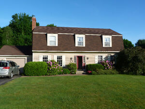 DUTCH COLONIAL 2 STOREY FAMILY HOME WOLFVILLE OVERLOOKS BLOMIDON