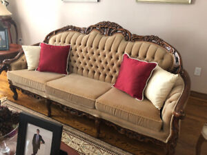 Antique Livingroom Furniture