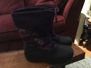 Girls Kamik Winter Boots Kids Size 5 - purple Excellent comd