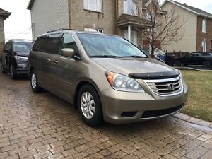 2008 Honda Odyssey EXL fully loaded leather seats 8pass