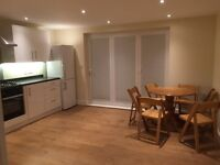 NEWLY REFURBISHED...HUGE HOUSE WITH SITTING ROOM AND GARDEN..DOUBLE ROOM FOR 1 PERSON..£140 PW
