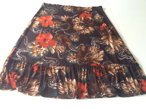 Casual Womens Ruffled Skirt