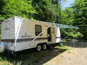 1998 Mallard trailer 25 feet - fully equipped.