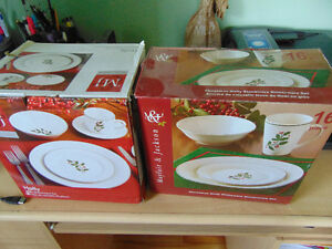 36 piece christmas dishes