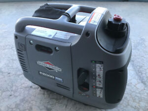 Briggs and Stratton P2000 portable inverter generator 120V