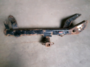 2004 Ford Taurus trailer hitch.