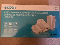Maplin TP-Link 200Mbps Triple Kit with Pass Through and N300 Wireless Adapters