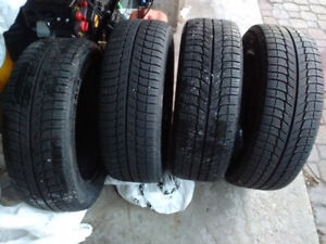 215/55/17 X-ICE winters on steel wheels NEAR NEW Optima