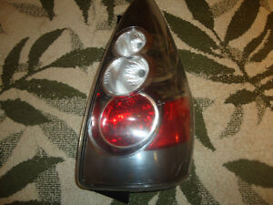 2006 mazda tail light