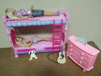 Lit supperposé bureau + acc. pour 2 Barbies adolescente