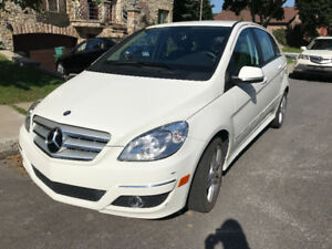2011 Mercedes-Benz B200, Mini SUV LIKE-NEW,