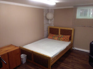 Rooms for rent for female  McMaster students