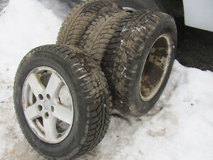 215/65R16 Winters like new, low miles