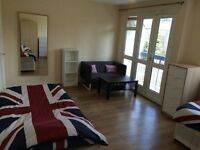 Twin Room Hackney (zone 2)