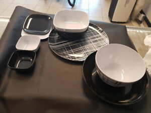 70 Piece Black and White Picnic Set