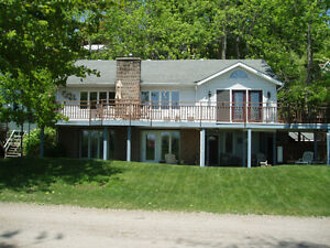 Beautiful Lakefront 2 Bedroom on Private Beach Port Stanley
