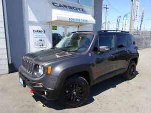2017 Jeep Renegade Trailhawk 4x4, Nav, Sunroof, Wheel / Tire Pac