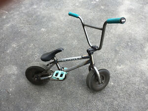 Mini bmx (bounce bike)