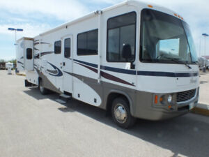 2006 Pursuit 35' Motor Home.