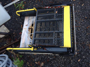 Wheelchair Lift - excellent condition